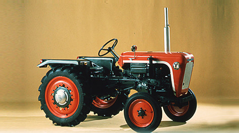 The first domestically made rider-driven tractor for dry-field farming, the type T15
